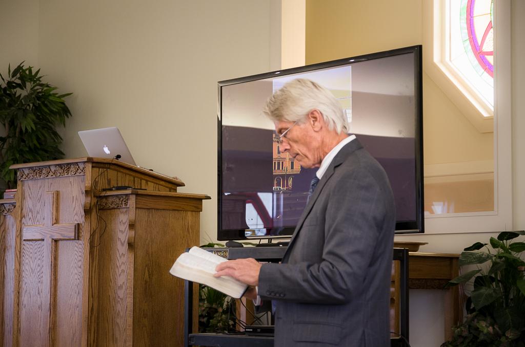 Pastor Steve Graham leads our Discipleship Hour